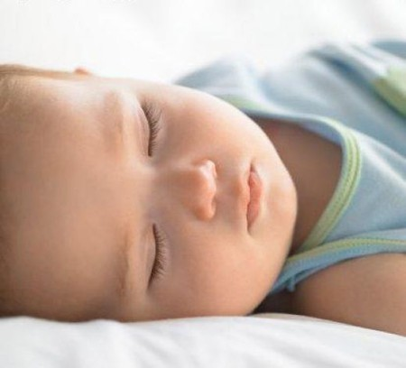 Сон новорожденного ребенка — фото 1