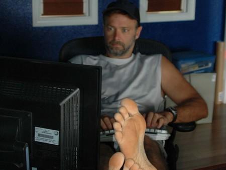 Кристофер Мур за работой