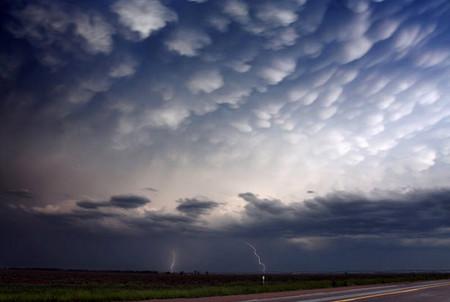 Торнадо, смерч, молнии, грозовые тучи – это красиво! Фотографии Майка Холлингшеда (Mike Hollingshead) — фото 4