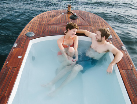 Лодки Hot Tub Boat – с теплым бассейном-джакузи и музыкой — фото 12