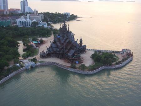 Храм Истины – настоящий деревянный шедевр — фото 28
