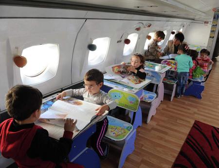 Не детский сад, а мечта! Во что превратился списанный ЯК-40 — фото 9