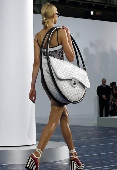 Креатив от Chanel – сумки для весны 2013 — фото 2