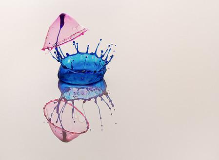 Скульптуры из … воды. Макрофотографии разноцветных капель — фото 37