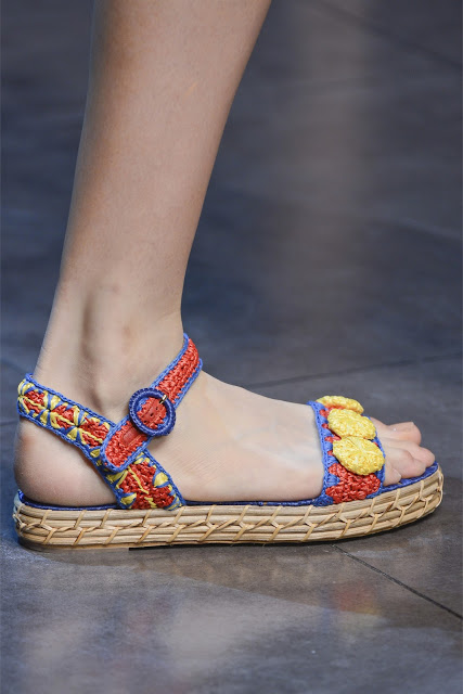 Сицилия от Dolce & Gabbana - женская коллекция весна-лето 2013 — фото 94