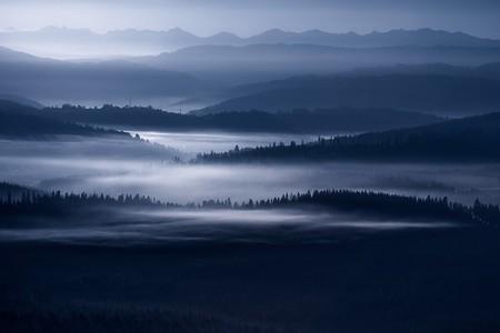 Туманные пейзажи на красивых снимках Богуслава Стремпеля — фото 17
