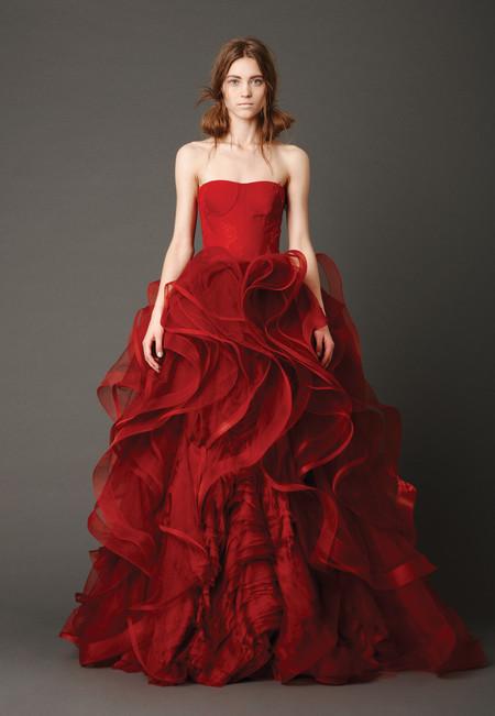 Девушки в красном – невесты в свадебных платьях. Коллекция Vera Wang весна 2013 — фото 12