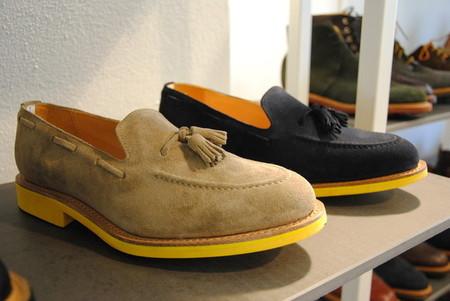 Лоферы (или лоаферы) - дизайнер надеется, что уж в 2012 они точно войдут в моду!