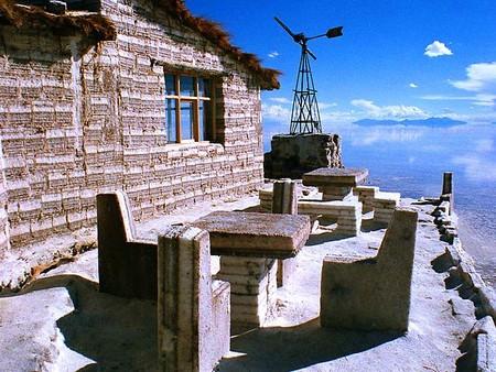 Уюни в Боливии – соляное озеро, соленый отель, фламинго и паровозы — фото 6