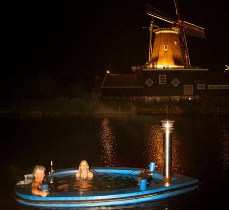 Лодки Hot Tub Boat – с теплым бассейном-джакузи и музыкой — фото 4