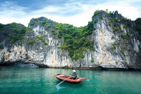 Бухта Халонг во Вьетнаме – острова, изумрудная вода и дракон — фото 13
