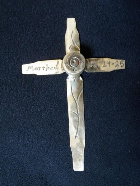 В коллекции много крестов