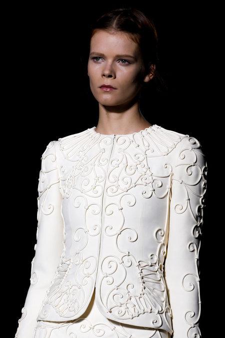 Кутюрная коллекция Valentino весна-лето 2013 – волшебство всегда в моде! — фото 57
