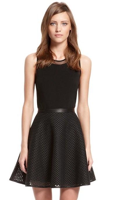 """В коллекции много черных вещей — у Донны Каран свой взгляд на """"маленькое черное платье"""""""