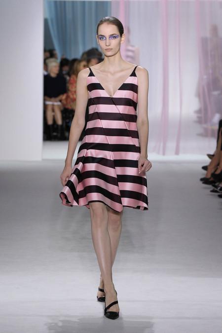 Женская коллекция Dior весна-лето 2013 — фото 23