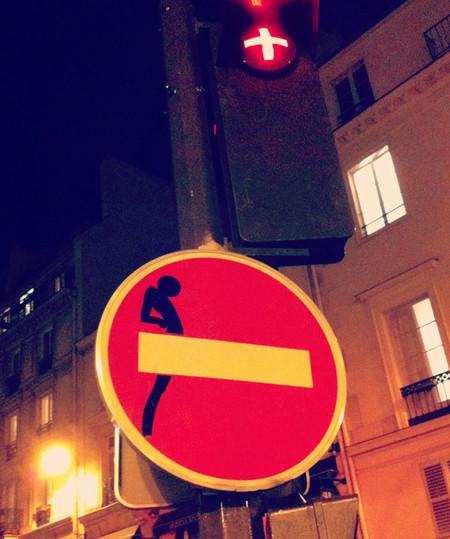 «Улучшенные» дорожные знаки от Клета Авраама — фото 21