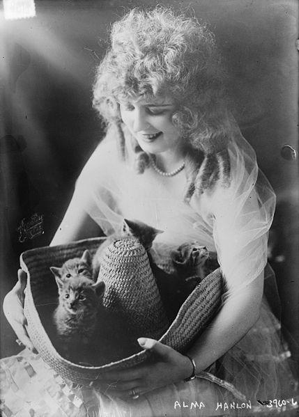 Альма Хэнлон — актриса американского немого кино. И сомбреро с котятами )))
