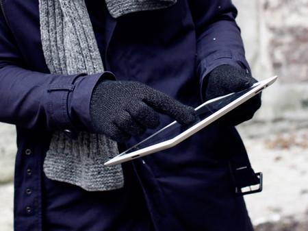 Есть перчатки специально для работы с сенсорными экранами