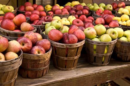 В корзинках яблочки смотрятся аппетитнее всего