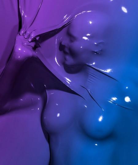 Ню в вакууме – работы Жюльена Паласа — фото 1