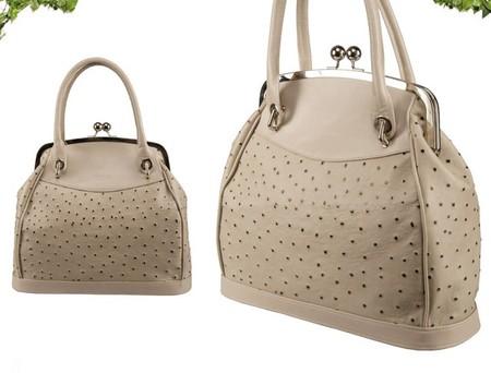 Сдержанная классика, яркие цвета и необычные формы — сумок у Ochnik очень много