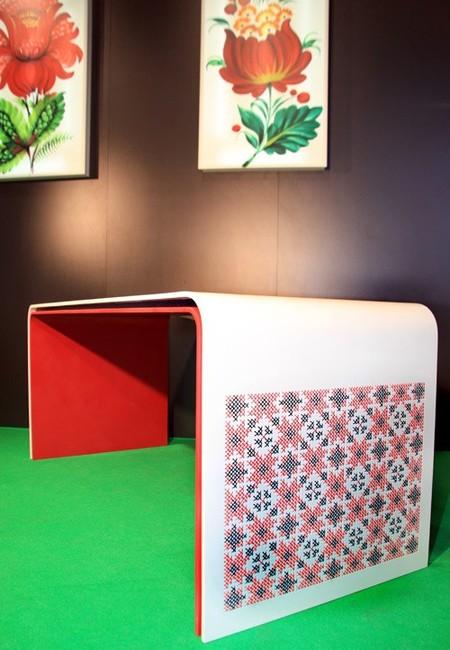 Вышивка по камню – мебель Ярослава Галанта — фото 10