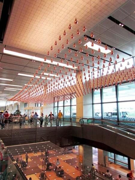 Kinetic Rain – танцующие капли в сингапурском аэропорту — фото 18