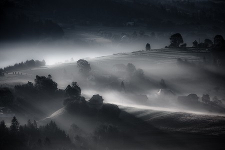 Туманные пейзажи на красивых снимках Богуслава Стремпеля — фото 6