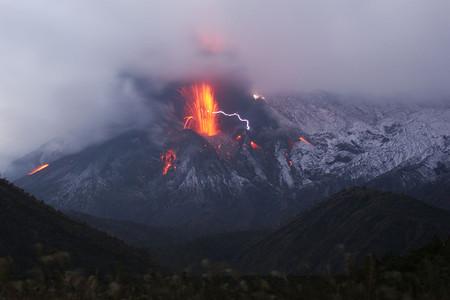 Дым, огонь и молнии — гремучая смесь