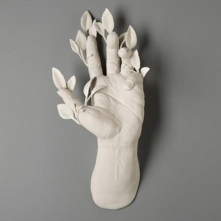 Живой фарфор и смерть в скульптурах Кейт МакДауэлл — фото 27