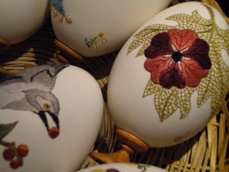 Вышивка по … яичной скорлупе. Ювелирная работа Элизабет Кляйн — фото 20