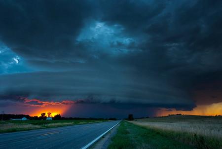 Торнадо, смерч, молнии, грозовые тучи – это красиво! Фотографии Майка Холлингшеда (Mike Hollingshead) — фото 5