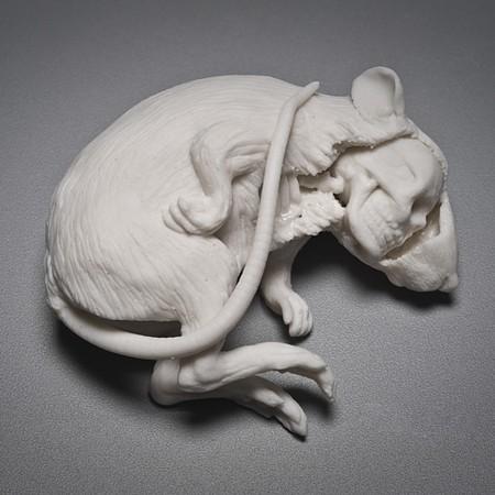 Живой фарфор и смерть в скульптурах Кейт МакДауэлл — фото 17