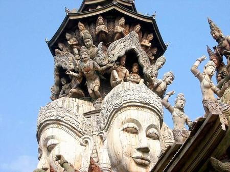 Храм Истины – настоящий деревянный шедевр — фото 22