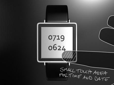 Касаемся циферблата — видим время и дату
