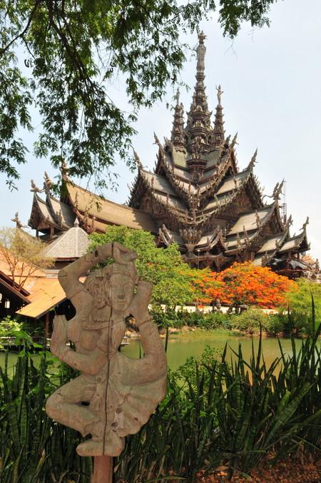 Храм Истины – настоящий деревянный шедевр — фото 5