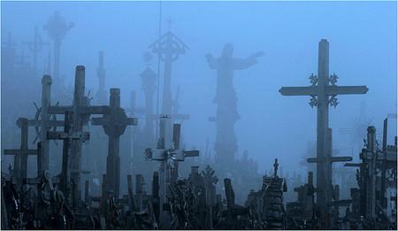 В разную погоду и с разных ракурсов Гора Крестов производит разное впечатление