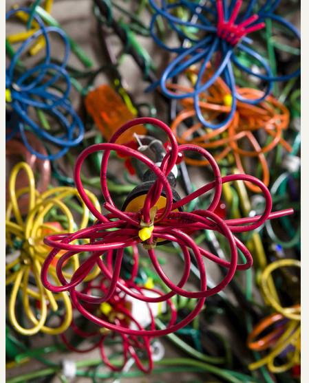 Яркие картины из кабелей от Федерико Урибе — фото 16