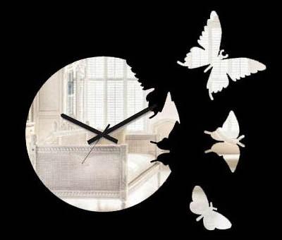 И часы, и зеркало