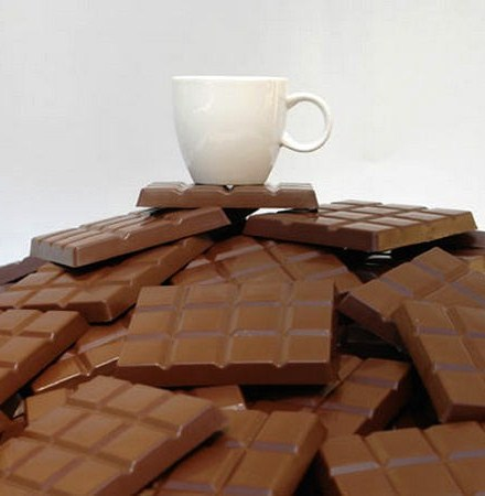 Чашка кофе на шоколадке — вкууусно!!! Того и гляди, подтает и запахнет )))
