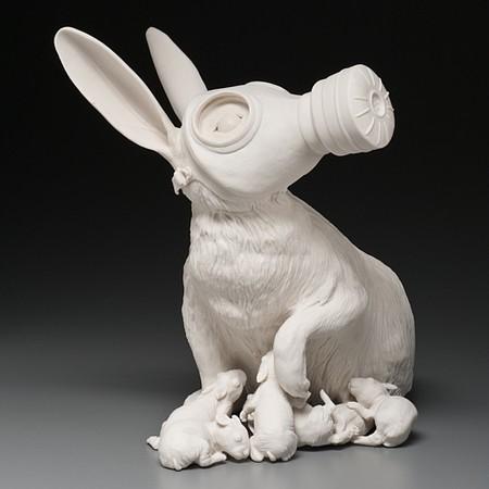 Живой фарфор и смерть в скульптурах Кейт МакДауэлл — фото 12
