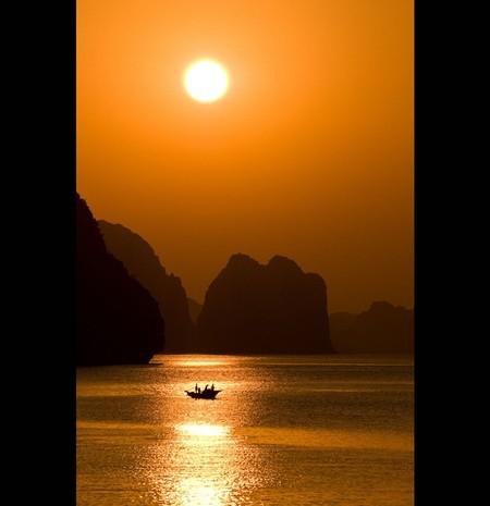 Бухта Халонг во Вьетнаме – острова, изумрудная вода и дракон — фото 23