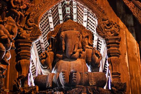 Храм Истины – настоящий деревянный шедевр — фото 20