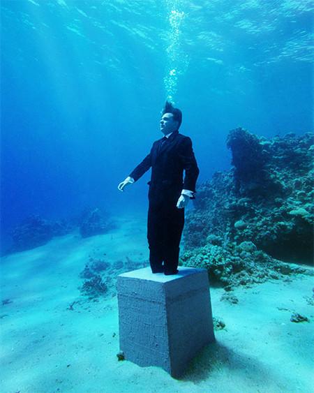 Очень интересная серия подводных снимков