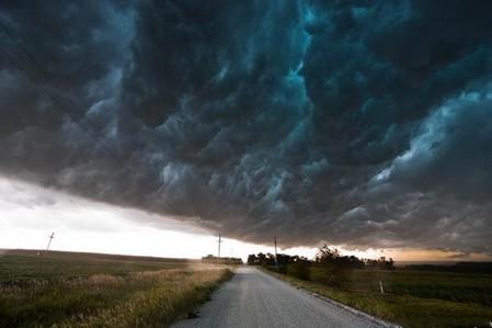 Торнадо, смерч, молнии, грозовые тучи – это красиво! Фотографии Майка Холлингшеда (Mike Hollingshead) — фото 14