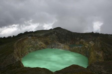 Вулкан Келимуту и 3 разноцветных озера — фото 8
