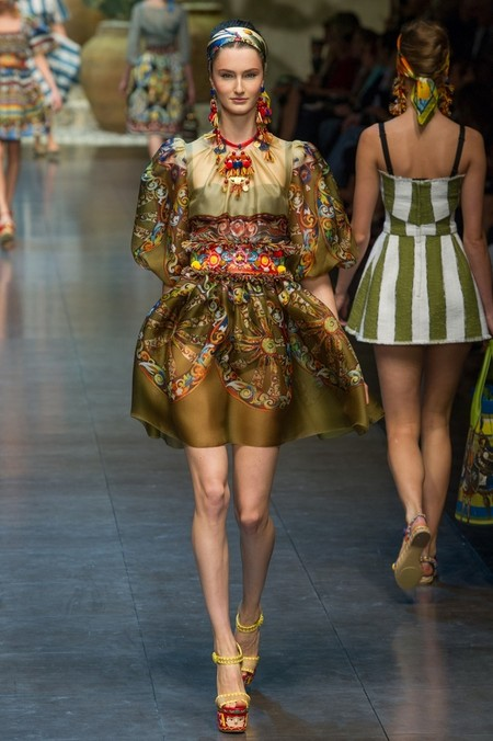 Сицилия от Dolce & Gabbana - женская коллекция весна-лето 2013 — фото 75