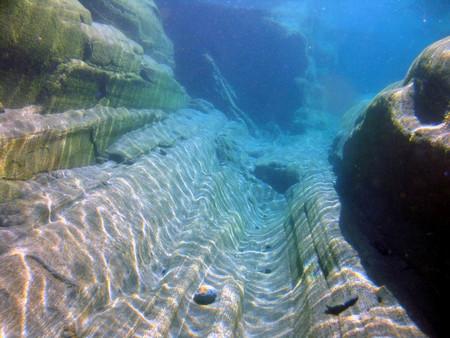 Река Верзаска – холодная, чистая и идеально прозрачная — фото 12