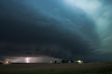 Торнадо, смерч, молнии, грозовые тучи – это красиво! Фотографии Майка Холлингшеда (Mike Hollingshead) — фото 18