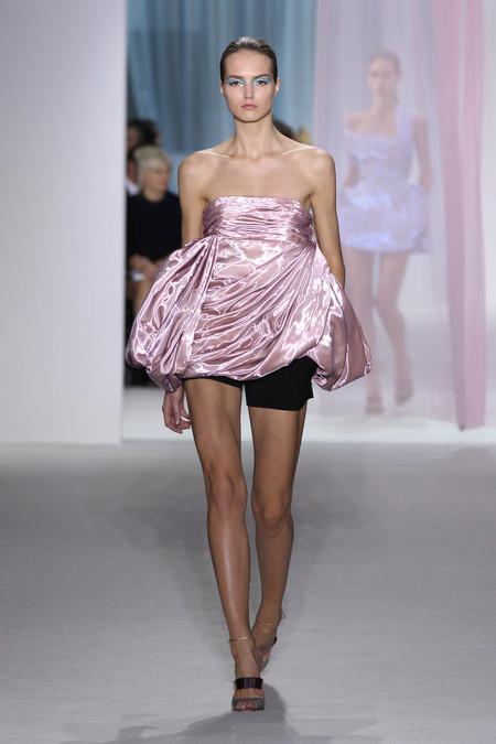 Женская коллекция Dior весна-лето 2013 — фото 12